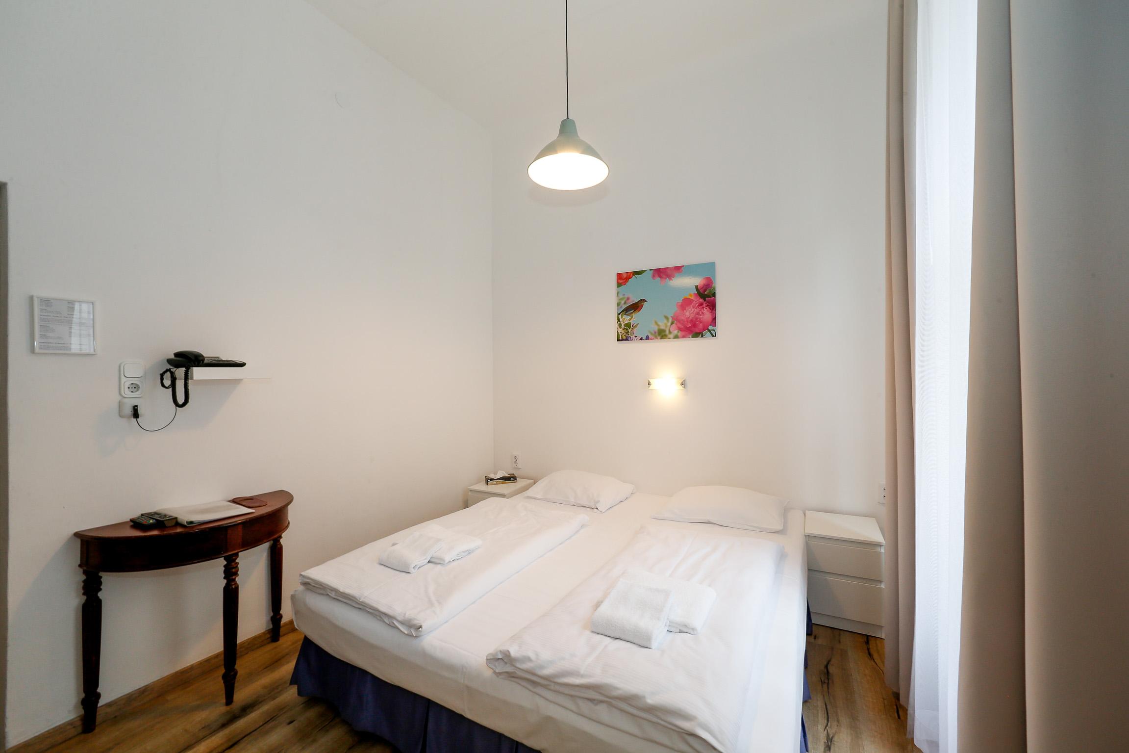 Standard Zimmer Doppelbettzimmer