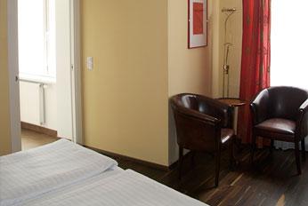 einbettzimmer-deluxe-zimmer-page