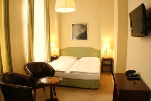 Deluxe Doppelzimmer gruen-gelb