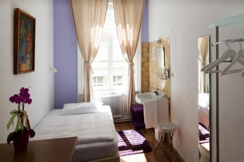 Nostalgie-Eco-Zimmer-Einbettzimmer-1